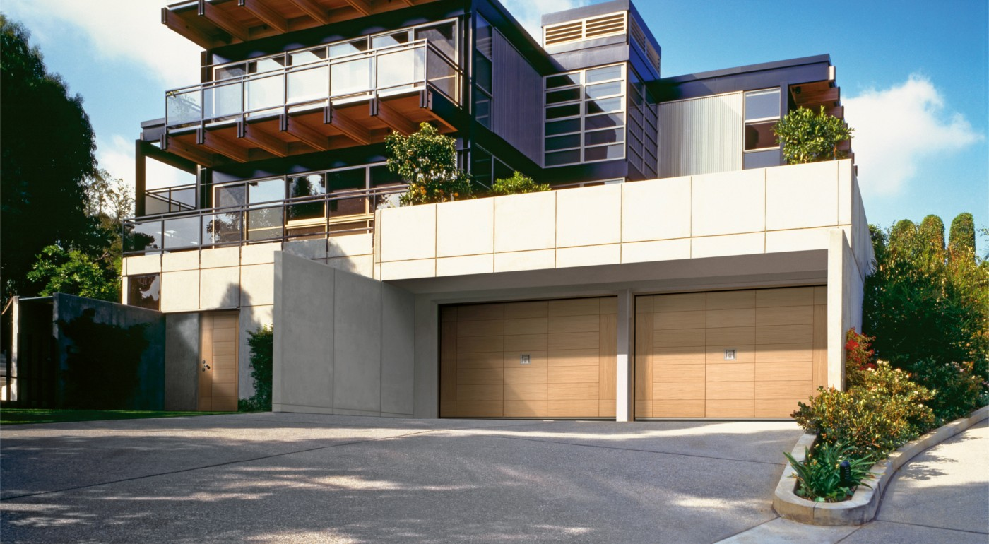 Silvelox GEO garage door and front doors