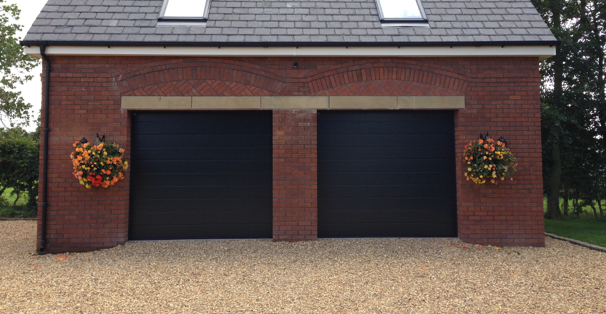 Garage doors blackpool lakes doors for Garage doors uk