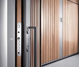 Silvelox Random Garage Door - Lakes Doors